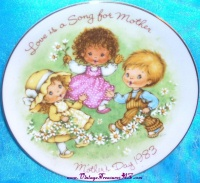 Image for Avon Mother's Day Vintage 1983 'Love is a Song for Mother' Collector Plate <b><span style='color:red'>			  *****FIRST CLASS SHIPPING INCLUDED – DOMESTIC ORDERS ONLY!*****  </span></b><span style='color:purple'>