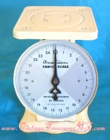 Image for American Family Scale 25 lbs Capacity in Ounces & Pounds Ivory-color ALL Metal Vintage ca 1920s-1960s (Accurately Functioning + Excellent Condition)  <b><span style='color:red'>*****PARCEL POST SHIPPING INCLUDED – DOMESTIC ORDERS ONLY!*****</span></b><span style='color:purple'>