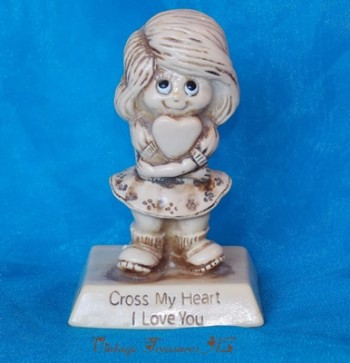 Image for <b><span style='color:purple'> Cross My Heart I Love You Sillisculpt Statue Vintage 1975 Russ Berrie Co. (R. & W. Berries Co.'s) Retro Kitschy Little Girl Holding a Heart Figurine/Figure #9210 Gift of Love </span></b><span style='color:purple'>   <b><span style='color:red'>***USPS PRIORITY MAIL SHIPPING INCLUDED – DOMESTIC ORDERS ONLY!***</span></b><span style='color:purple'>
