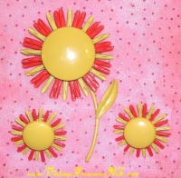 "Image for Daisy/Daisies Flowers Retro Mod Vintage 1960s Enamel ""Flower Power"" Brooch-Pin & Clip-On Earrings Suite/Set  <b><span style='color:red'>  *****FIRST CLASS SHIPPING INCLUDED – DOMESTIC ORDERS ONLY!*****  </span></b><span style='color:purple'>"