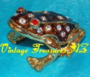 Image for Frog Hinged Trinket Box Brown Enamel & Crystals Exterior/Yellow Enameled Interior <b><span style='color:red'>*****1st CLASS SHIPPING INCLUDED – DOMESTIC ORDERS ONLY!*****</span></b><span style='color:purple'>