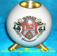 Image for Gannover Ancestral Heraldic Coat-of-Arms Vintage Lindner Handgemalt Kueps Bavaria Porcelain Candle Holder  <b><span style='color:red'>*****PRIORITY MAIL SHIPPING INCLUDED – DOMESTIC ORDERS ONLY!*****  </span></b><span style='color:purple'>