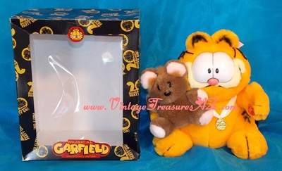 "Image for Garfield & Pooky ""Best Friends"" RARE ""20 Years of Garfield Party On!"" 20th Anniversary Musical Collector's Edition Stuffed Animals Plush Toys Set in Original Box  <b><span style='color:red'>***USPS PRIORITY MAIL SHIPPING INCLUDED – DOMESTIC ORDERS ONLY!***</span></b><span style='color:purple'>"