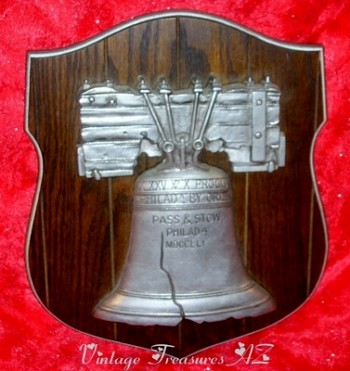Image for <b><span style='color:purple'> Liberty Bell Pass & Stow Cast Metal Commemorative Replica on Wooden Wall Display Plaque Vintage ca 1950s-1970s  </span></b><span style='color:purple'>  <b><span style='color:red'>*****GROUND SHIPPING INCLUDED – DOMESTIC ORDERS ONLY!*****</span></b><span style='color:purple'>