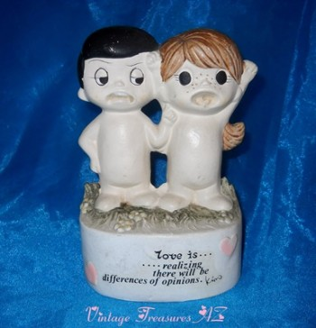 "Image for <b><span style='color:purple'>   Kim Casali Vintage 1972/1973 Figural RARE Coin Bank ""Love Is...realizing there will be differences of opinions."" Los Angeles Times Attribution  </span></b><span style='color:purple'>   <b><span style='color:red'>***USPS PRIORITY MAIL SHIPPING INCLUDED – DOMESTIC ORDERS ONLY!***</span></b><span style='color:purple'>"