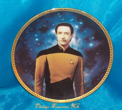 Image for <b><span style='color:purple'> Star Trek The Next Generation Lieutenant Data Plate Limited Edition Thomas Blackshear II Hamilton Collection STTNG 5th Anniversary Commemorative Series 1993 Porcelain 23K Gold  </span></b><span style='color:purple'>  <b><span style='color:red'> ***USPS PRIORITY MAIL SHIPPING INCLUDED – DOMESTIC ORDERS ONLY!***</span></b><span style='color:purple'>
