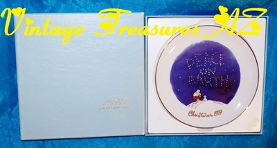 Image for Ziggy & Dog Fuzz 'Peace on Earth - Christmas 1979' Limited Edition of 6,000 Tom Wilson Designers Collection Vintage Gold-rimmed Collector Plate in Original Box <b><span style='color:red'> USPS     SHIPPING INCLUDED – DOMESTIC ORDERS ONLY!</span></b><span