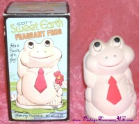 Image for Coty Sweet Earth Fragrant Frog Prince Mountain Greenery Vintage Pomander Potpourri Sachet Dispenser in Original Box <b><span style='color:red'>  *****PRIORITY MAIL SHIPPING INCLUDED – DOMESTIC ORDERS ONLY!*****  </span></b><span style='color:purple'>