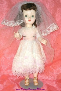 "Image for Madame Alexander Cissy, Cissette or Binnie Walker Vintage ca 1950s 14 ½"" Doll Bridal-like Outfit & Veil  <b><span style='color:red'>  *****PRIORITY MAIL SHIPPING INCLUDED – DOMESTIC ORDERS ONLY!*****  </span></b><span style='color:purple'>"