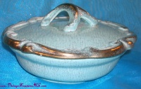 Image for Cal. Style U.S.A. 254 Vintage ca 1950s-1970s Gilded Turquoise California Pottery 2-Piece Covered Casserole Dish Set  <b><span style='color:red'>  *****PRIORITY MAIL SHIPPING INCLUDED – DOMESTIC ORDERS ONLY!*****  </span></b><span style='color:purple'>